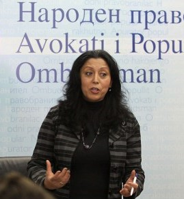 Заменикот-народен правобранител Васка Бајрамовска-Мустафа, која е потписник и подносител на иницијативата.