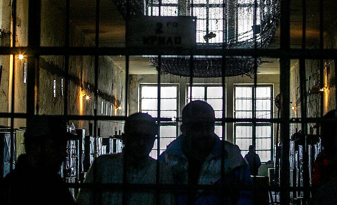 Од Управата за извршување на санкции не одговорија на прашањата на САКАМДАКАЖАМ.МК пратени по е-пошта за тоа кој ѝ даде овластување на осуденичка да дава лекарства, зошто е избрана токму шверцерката на кокаин, како и дали раководството на затворот ќе сноси одговорност за ова (Фото: Ѓ. Личовски за СДК.МК)