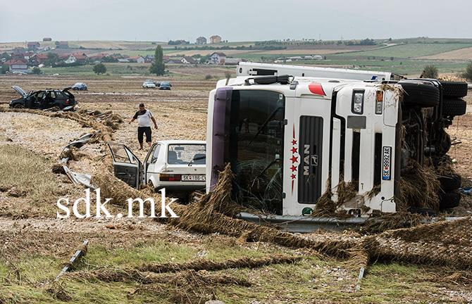 Поплавата од 6 август на виделина го исфрли и Ннедостатоците на автопатот со системот за одвод на атмосферските води кој и со оваа реконструкција нема да се поправа (Фото: СДК.МК)