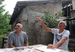 """""""Тоа што навечер никој не доаѓал било пресудно да одлучат да го формираат Првиот скопски партизански одред токму во колибата која ја изградил татко ми за да биде поблиску до реката. На 22 август 1941 година, татко ми заедно со Дане Крапчев и Чедомир Миленковиќ го формирале одредот кој имал вкупно 42 борци"""", -браќата Зоран и Димитрие се уште живеат близу Руска плажа"""