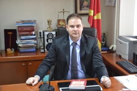"""Знаете што, секој судија во Основниот суд Скопје 1 е дуќанче, секој судија е чешмичка. Чешмичките им се затворија, па затоа се бесни"""""""