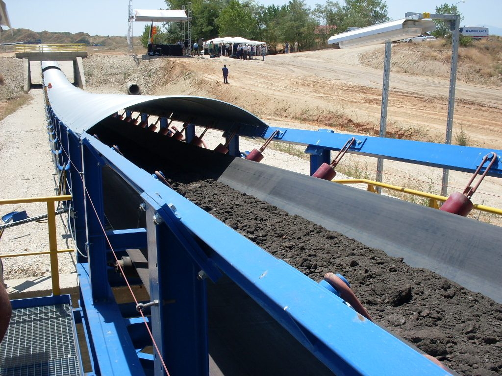 Резултатите покажуваат дека во непосредната околина на РЕК Битола, во околината на градот Битола и просторот помеѓу градот и РЕК има зголемување на содржината на бакар, олово, цинк и делумно арсен во воздухот што укажува на пренос на прашина од депонијата за пепел која има зголемена содржина на овие елементи во однос на нивната природна содржина во околните почви (Фото: СДК.МК)
