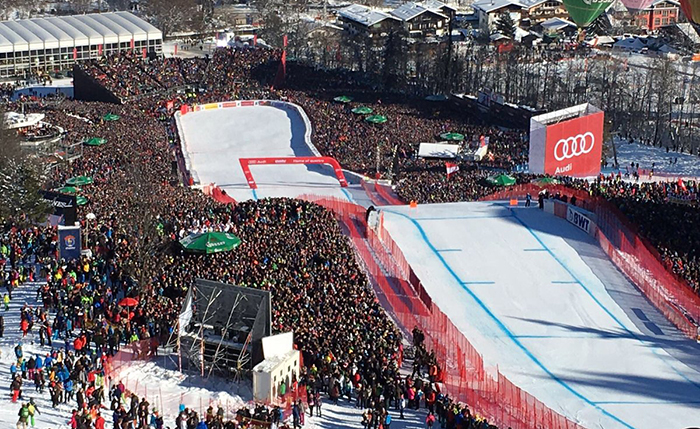 Организаторите на трката соопштија дека денеска околу патеката имало 50.000 гледачи. (Фото: Ханенкам)