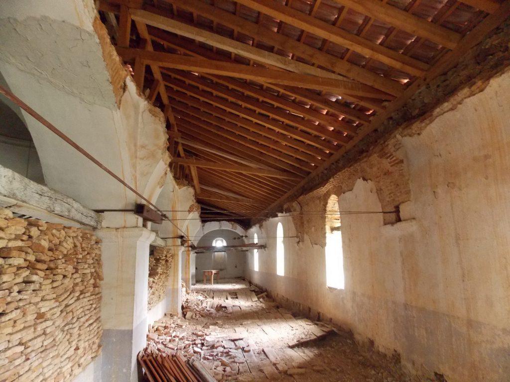 Покривот е променет, но има други нарушувања на конструкцијата (Фото: СДК.МК)