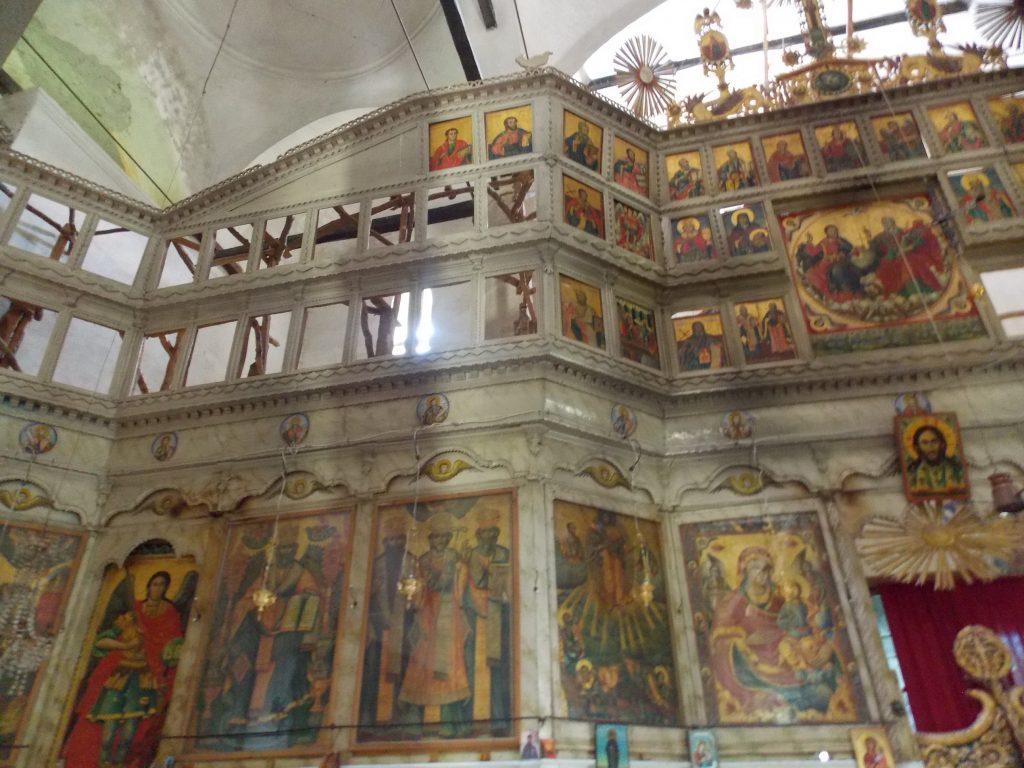 90 икони со кои црквата била украсена внатре и фреските биле сликани 26 години. Педесетте икони кои беа украдени од црквата пред четири години не се пронајдени (Фото: СДК.МК)