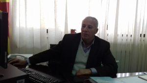 По објавување на текстот во САКАМДАКАЖАМ.МК пред месец и пол, на сопствена иницијатива Омбудсманот започнал постапка која треба да покаже дали има прекршување на правата на ученикот и кој го сторил тоа; - заменикот Народен правобранител од Куманово Насер Весељи (Фото: СДК.МК)