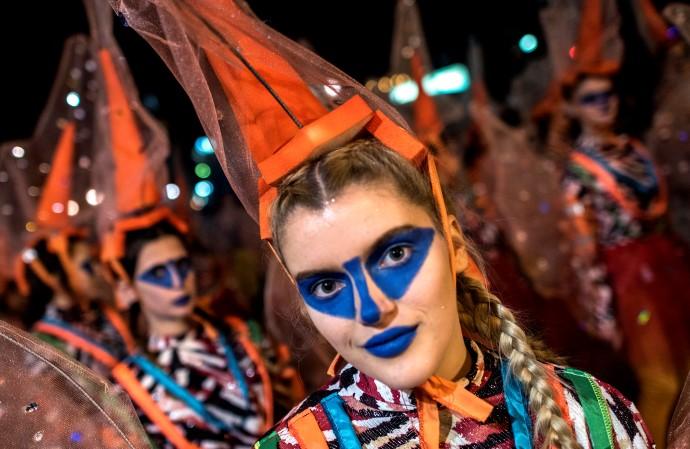 По завршување на дефилето, карневалџиите ги запоседнаа угостителските капацитети каде имаше разновидни забави под маски. (Фото: Ѓ. Личовски)