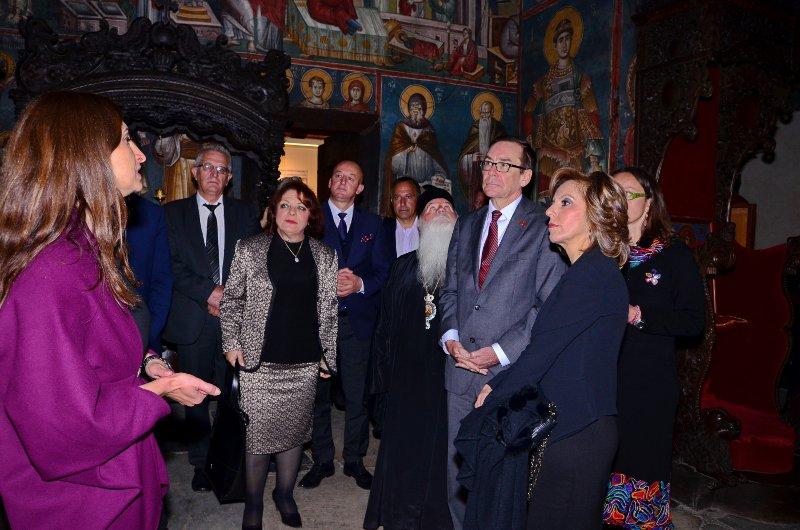 САД ПЛАТИЈА ЗА ПЕРИВЛЕПТА, БЕЈЛИ НА ГОСТИ ВО ОХРИДСКОТО ВМРО-ДПМНЕ