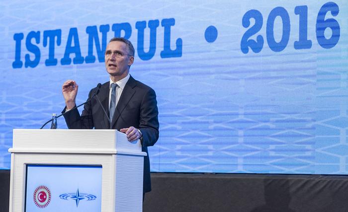НАТО ОДБИ ДА ГИ ОСУДИ АПСЕЊАТА НА ТУРСКИТЕ НОВИНАРИ И ПРАТЕНИЦИ