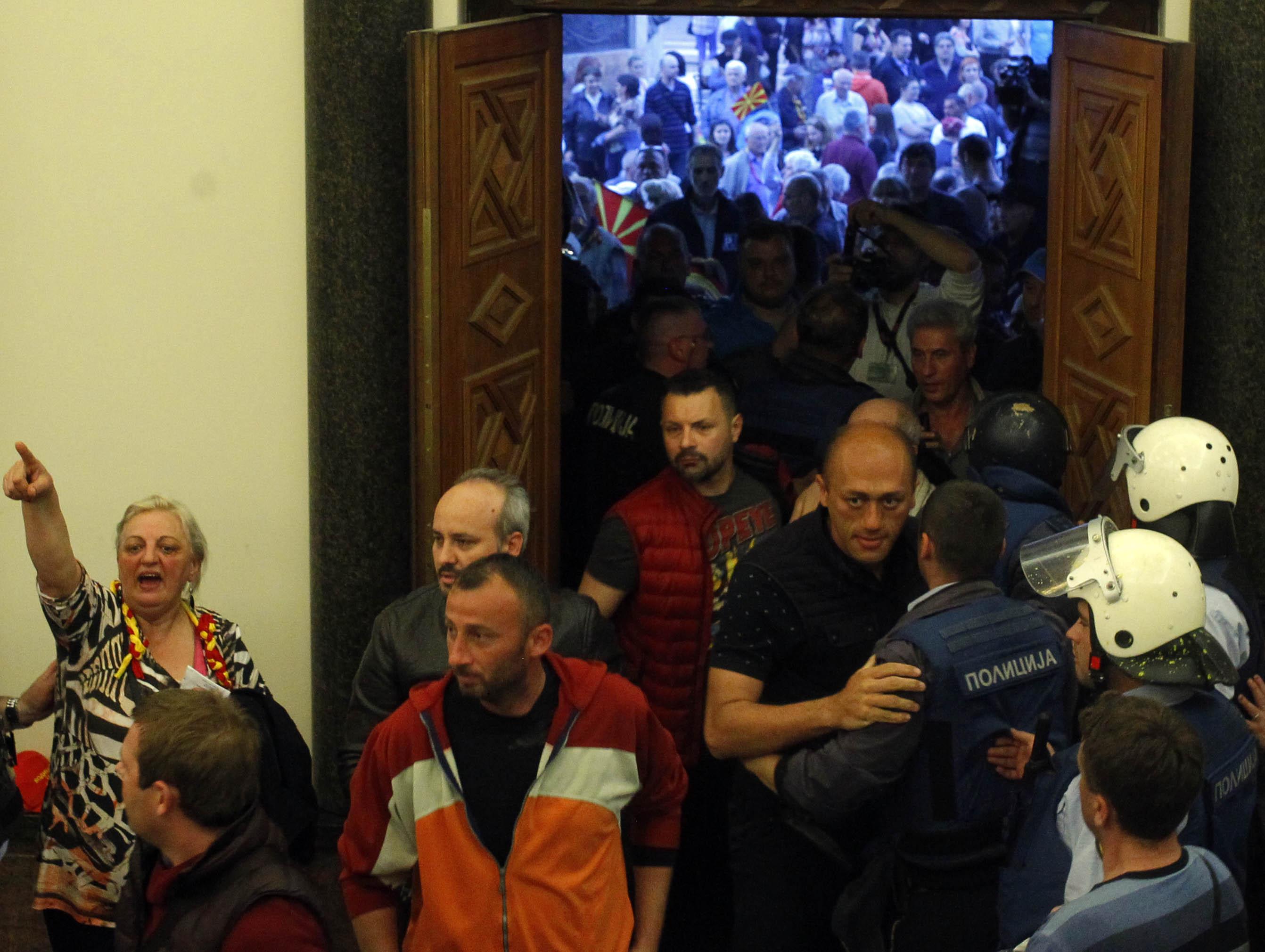 НАПАДОТ НА 27 АПРИЛ БИЛ ВОДЕН ОД СЕДИШТЕТО НА ВМРО-ДПМНЕ, ВЕЛИ ОБВИНИТЕЛСТВОТО ЗА ОРГАНИЗИРАН КРИМИНАЛ
