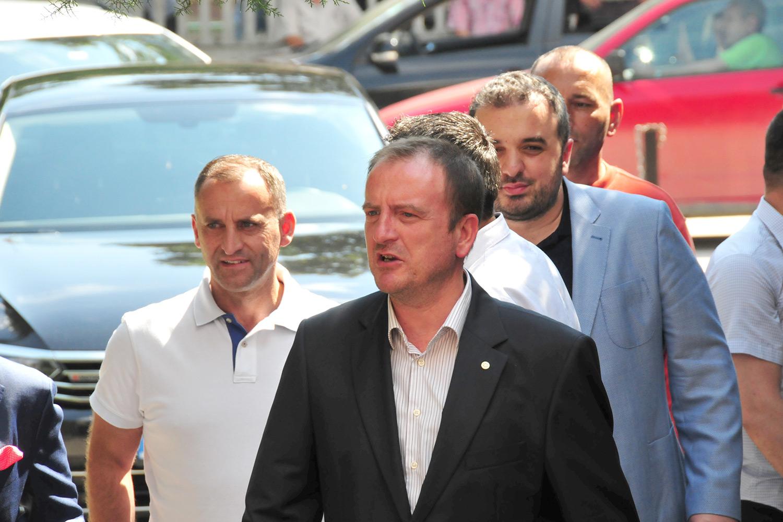 АЛИЈАНСАТА ЗА АЛБАНЦИТЕ НЕМА ДА РАЗГОВАРА СО ВМРО-ДПМНЕ ДОДЕКА НА ЧЕЛО Е ГРУЕВСКИ