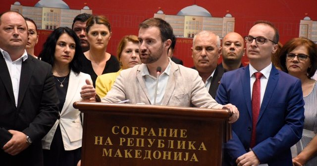 НОВИНАРИТЕ ПОБАРАА ОД ВМРО-ДПМНЕ ДА ПРЕСТАНЕ ЕТИКЕТИРАЊЕТО
